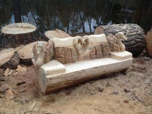Malhatter swan bench